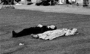 Magdalen Comem Ball. Oxford, 24 June 1988. Film 88578f27 © Copyright Photograph by Dafydd Jones 66 Stockwell Park Rd. London SW9 0DA Tel 0171 733 0108
